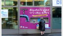 Distributeur d'eau gratuite rue de Tolbiac. Photo: LL/JDC